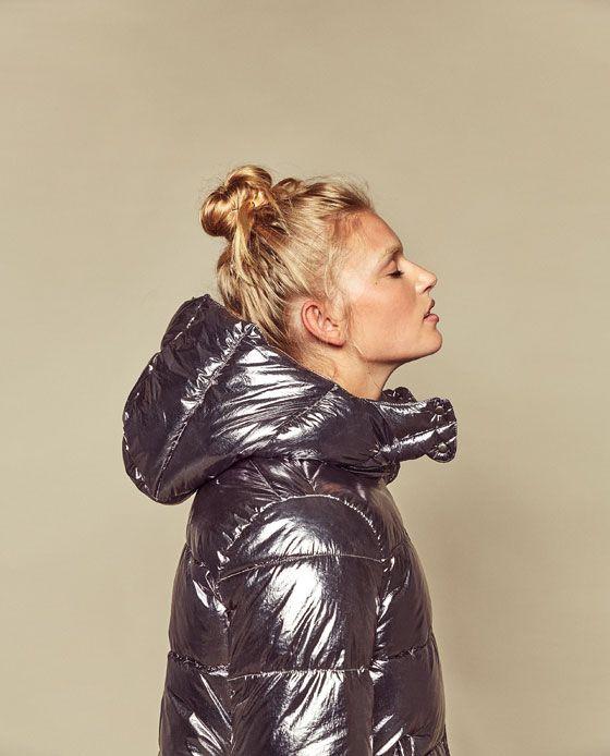 Image 2 de DOUDOUNE MÉTALLISÉE EN PLUMES SYNTHÉTIQUES de Zara
