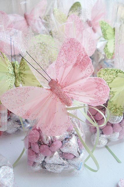 Butterfly themed favor bags filled with candy. A great DIY favor.