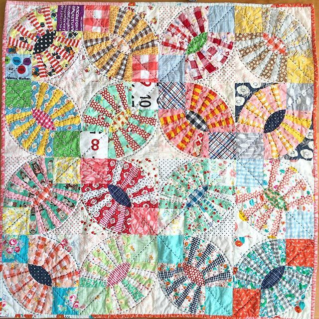 Proudest Finish! This was the year of the baby quilt!!! I feel like I made sooo many!!! So for #mycreative2016 I am sharing the baby quilt made for my dear friend Rachel of @familyeverafter and her sweet Violet  #mollyflanders #mymakerie @colorgirlquilts