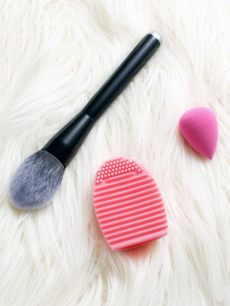 Shop Powder Brush And Brush Egg And Make Up Sponge Set online. SheIn offers Powder Brush And Brush Egg And Make Up Sponge Set & more to fit your fashionable needs.