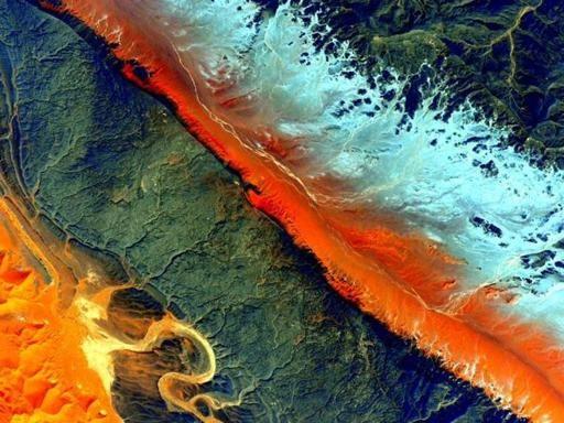 Sahara e Australia: Scott Kelly «dipinge» la Terra dalla spazio