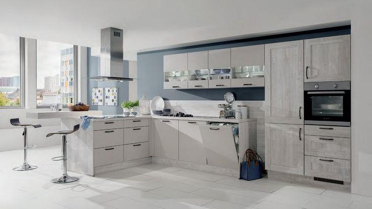 Ruime keuken schiereiland, bargedeelten en extra kastruimte - Afbeelding 1 van 1