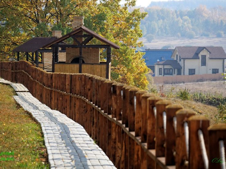Жители #поселка #Экопарк могут отдохнуть в парковой зоне, где специально организованы места с мангалами.