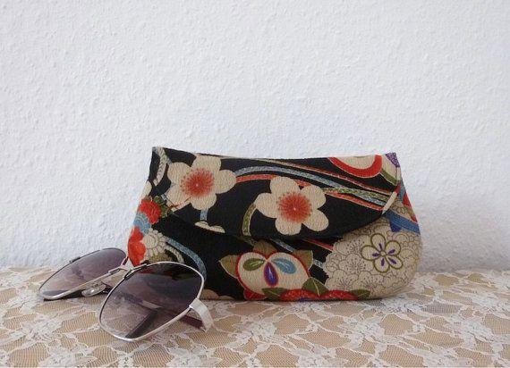 Eyeglass Case or Sunglass Case in Japanese Fabric by Kokondesign, €23.00