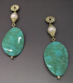 Brinco com Pedras Artificiais. Peça unica compre pelo site http://www.makkmur.com