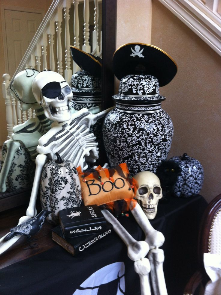 Skelly in the entryway.