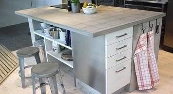 Att gjuta själv i betong börjar bli populärt.<br />Ernst Kirchsteiger gjöt en bänkskiva till det nya köket och här visar han hur du gör.