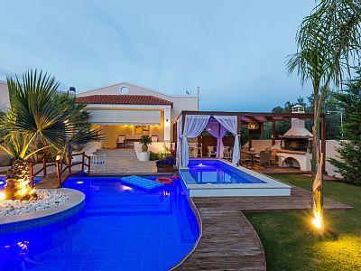 Rethymno villa rental - Aspect of the pool terrace and the gazebo!