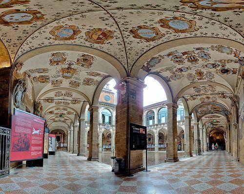 Biblioteca dell'Archiginnasio, City Library of Bologna foto di Scott D. Haddow