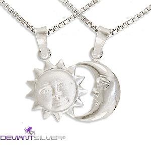 Collana gioiello con ciondolo da spezzare sole luna in argento 925.  Jewelry 925 silver necklace  pendant with  sun moon to break.  http://www.deviantsilver.com/sole-luna-collana-argento-925-gioiello-ciondolo-sole-luna-spezzare-p-315.html
