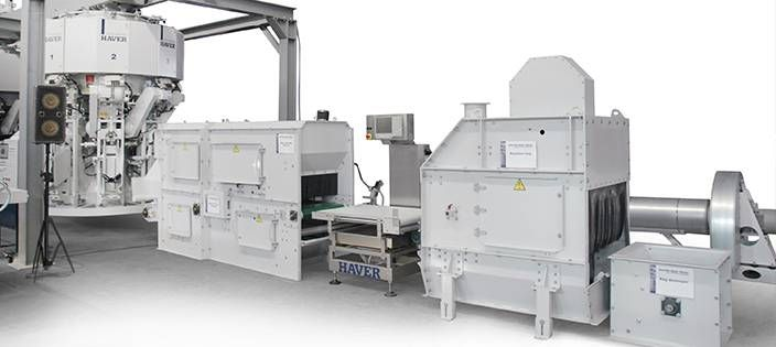 Roto packer @ http://www.conweighsystems.com/packaging-machine.html