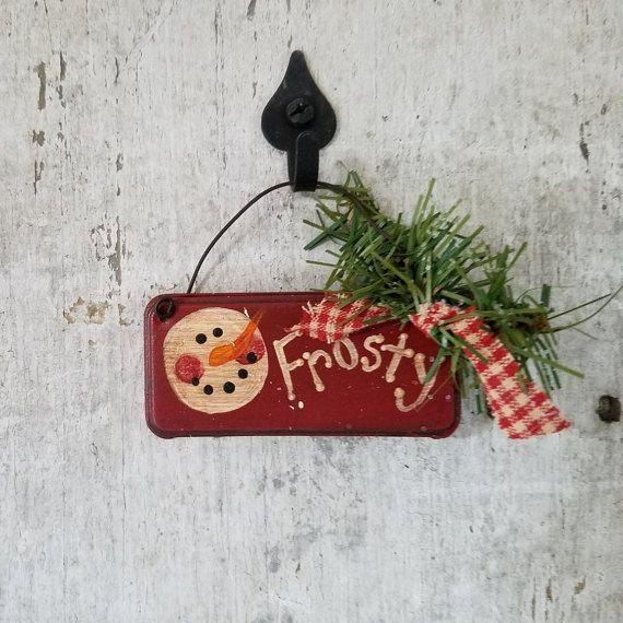 Bonhomme de neige pays primitifs, peint dessus étain, bonhomme de neige, ornement Primitive, Primitive Christams, décor rustique, décor d'hiver