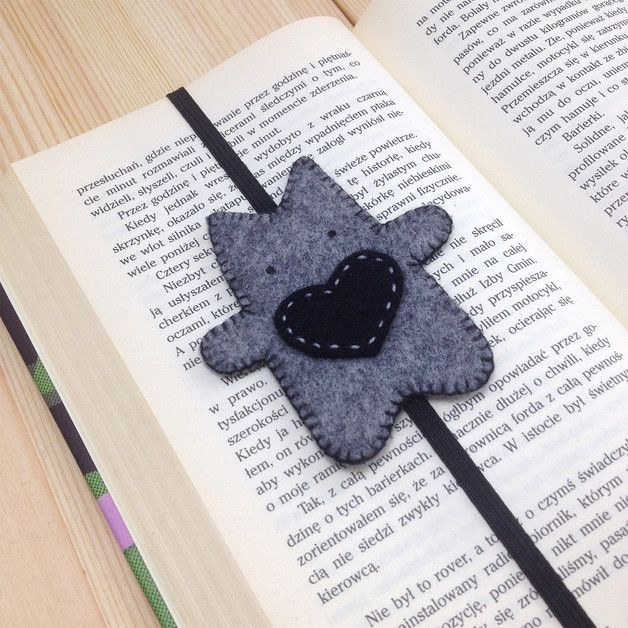 felt book cover cat with black heart