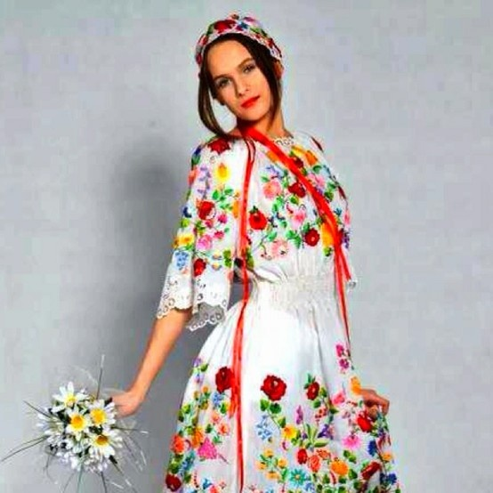 Hungarian Wedding Dress Magyar Eskuvlove The Embroidery