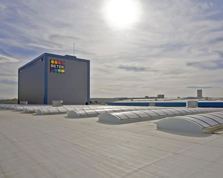 Betek Paint Factory Kocaeli, Turkey UltraPly TPO Mechanically Attached System (MEC) 27.000 m²