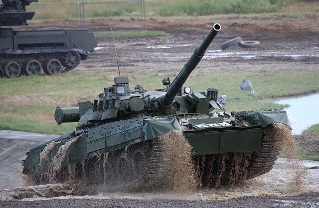 T-80U main battle tank at the Engineering Technologies 2012 international forum.