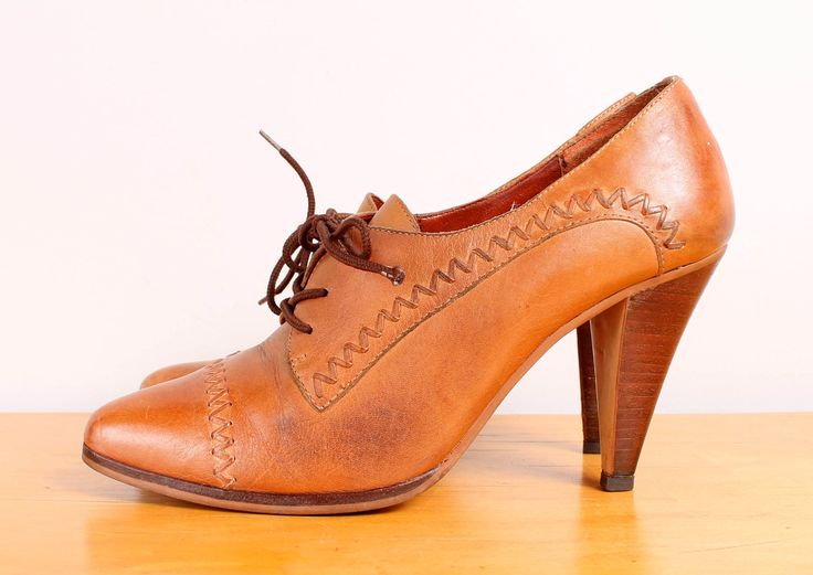 1970s High Heel Oxfords / Tan Woven Leather Oxford Pumps - Womens 7.5 - Toes Shoes.