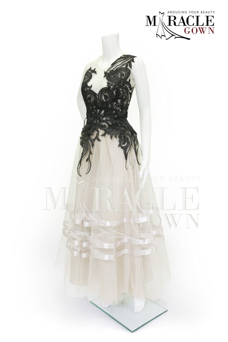 Miracle Gown - Black tendrils white layered dress www.facebook.com/Miracle.Gown or www.gauncantik.com for further information  #Gaun Pesta #Gaun Malam #Evening Dress #Evening Gown #Splendid Evening Dress Design #Fashion Designer #Miracle Gown #Evening Dress Designer