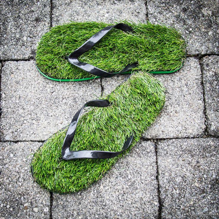 Tongs en fausse herbe | CadeauxFolies