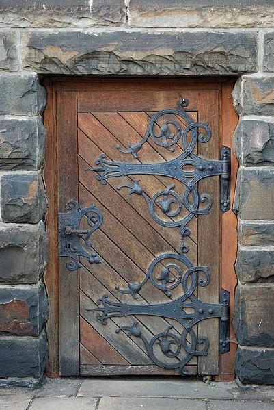 90 best tiny doors images on pinterest fairy gardens for Secret fairy doors by blingderella