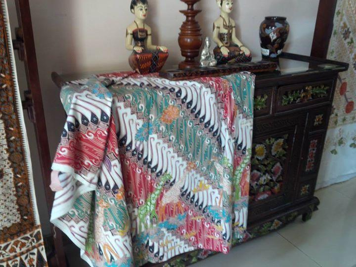 Motif Parang Satwa (Kode: 58/01) - Ukuran 1.10m X 2m (eksklusif) - IDR. 1.150.000 - Order BB: 7E857EC3  - Whatsapp: 081229917576. #batik #dhamparkencono #solo #java #boutique #batiktulis