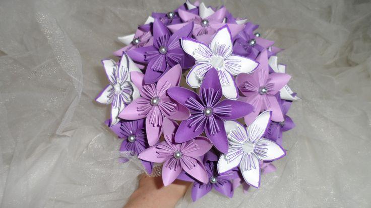 bouquet de mari e original en papier fleurs origami bouquets pinterest bouquet de mari e. Black Bedroom Furniture Sets. Home Design Ideas