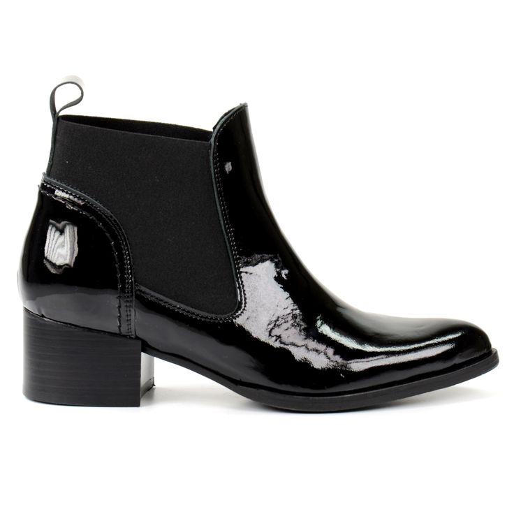 Spitse lak Chelsea boots