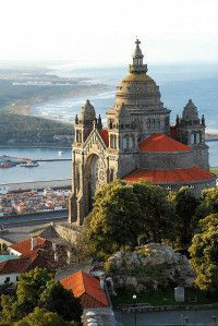 Out of many to visit in Portugal we share 60 monuments listed as the best. Portugal ranks the 15th position in the World Tourism Rank. Go and find why.
