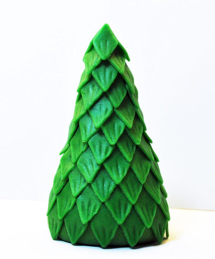 Judy's Cakes: Christmas Tree Tutorial #4