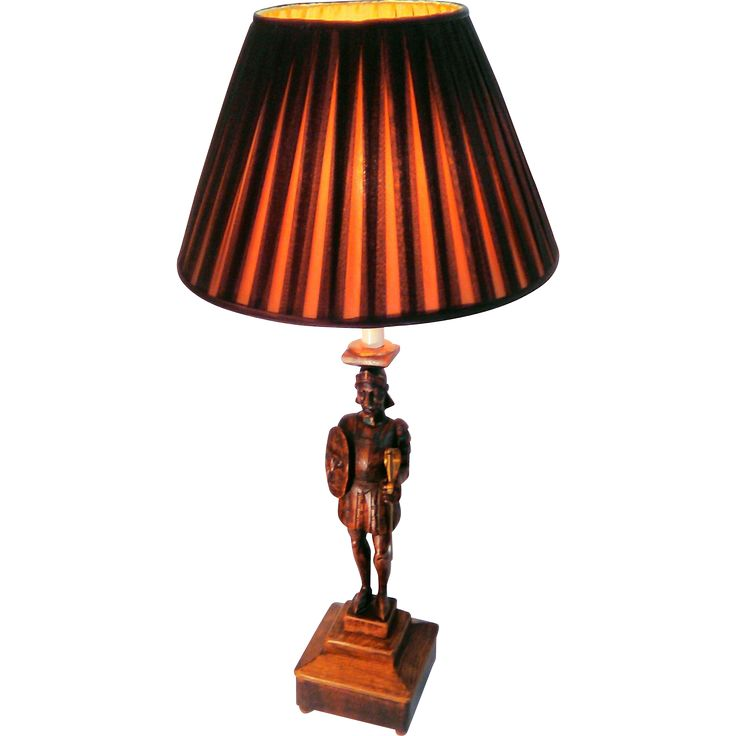 19th Century Antique Wooden Hand-Carved Knight Table Lamp