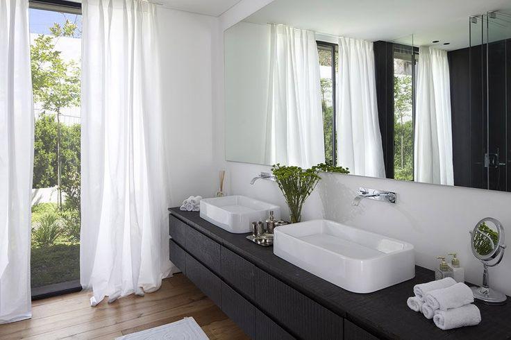 124 best SDB images on Pinterest Bathroom, Half bathrooms and - salle de bain meuble noir