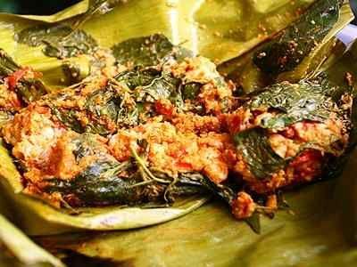 Pepes Tahu Udang - Cara membuat bumbu botok dari video resep pepes tahu udang rebon campur jamur kemangi yang paling enak sederhana gurih serta spesial bisa anda baca disini.