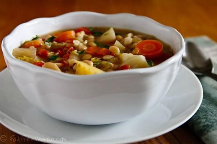 IrishWhiteBeanandCabbageStew   13 St. Patrick's Day Recipes for Your Slow Cooker