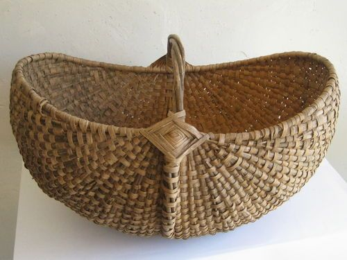 Beautiful antique #basket!!!! 22 in long x 16 in wide x 14 in high.  Probably a baby basket.... such a large size, I don't think it could support the weight of a lot of melons, maybe smaller size veggies or other produce.