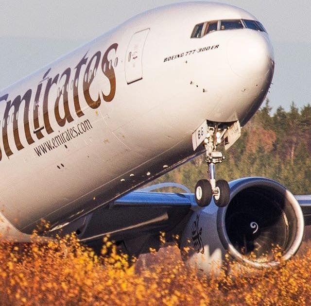 Emirates Boeing 777-31H/ER
