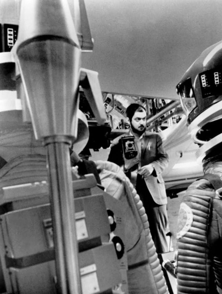 2001 a space odyssey 76 The american director stanley kubrick and the english science-fiction writer arthur c clarke are shooting a film called 2001: a space odyssey 'i never considered 2001 as a strict prediction,' clarke will say in retrospect, 'but as more of a vision.