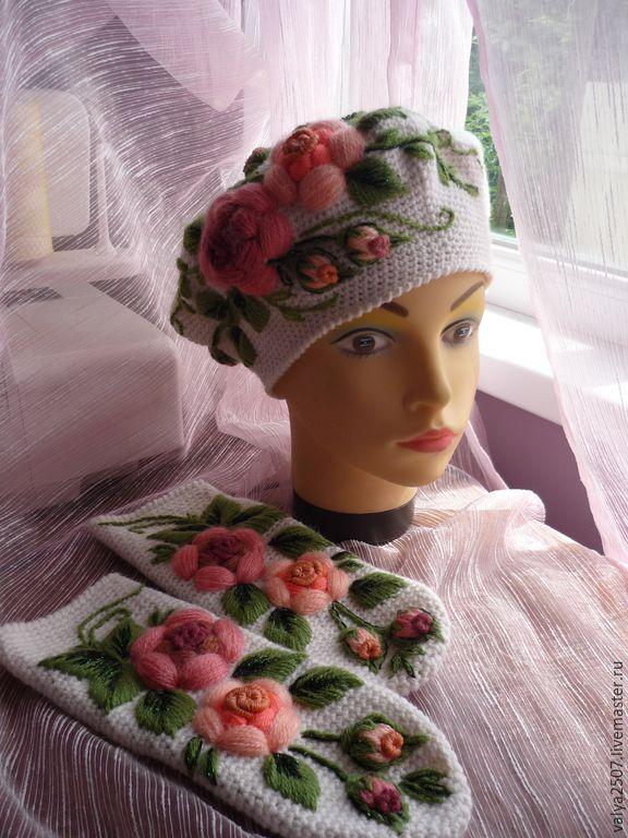 """Купить Берет + варежки """"Чайная роза"""" ручная вышивка - разноцветный, цветочный, шерсть, полушерсть"""