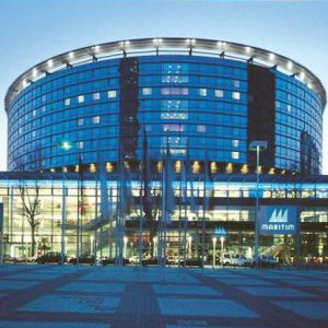 Maritim Hotel Frankfurt  Maritim Hotel Frankfurt is a business-friendly hotel located in Frankfurt's Frankfurt Trade Fair neighborhood, close to Frankfurt Trade Fair Grounds, Stock Exchange, and Romer. Additional points of interest include Messeturm and Senckenberg Museum.