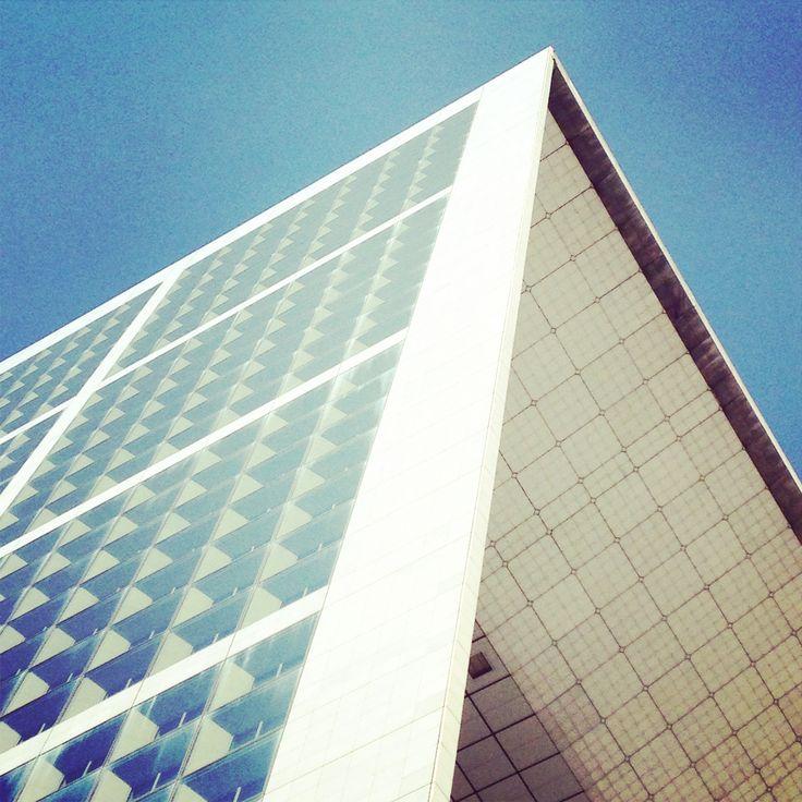 Grande Arche, La Défense.  Photography by R. Evers, 2014