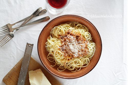 pasta bolognese by Melinda Siklosi, via Flickr