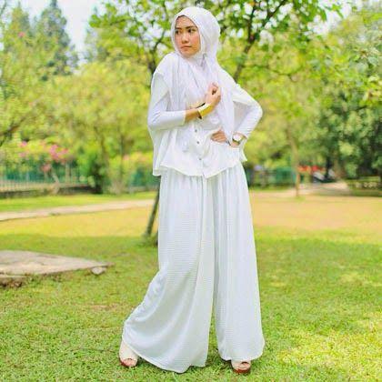 Model Baju Muslim Putih