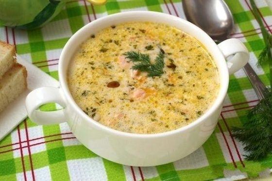 Сырный суп с семгой и кедровыми орешками