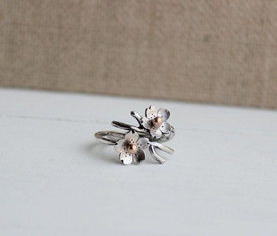 Anillo de ramita de flor de cerezo, rama anillo ajustable en plata, anillos de resorte de apilamiento, joyería de la primavera, hecho a pedido, accesorios nupciales