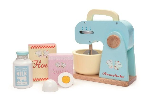 Le Toy Van - Honeybake Mixer Set  Miss P loves to help me bake so being able to 'bake' on her own everyday would be pretty special! #EntropyWishList #PinToWin