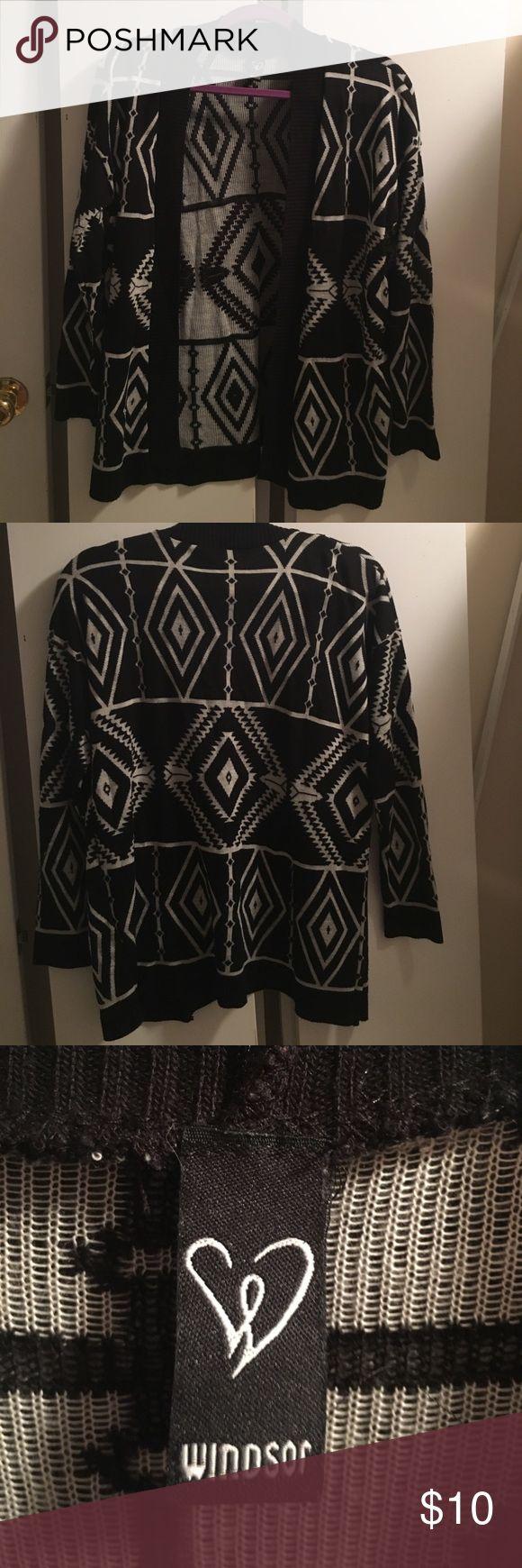 Windsor Black/Grey Aztec Print Cardigan Windsor black and grey Aztec print cardigan. Size small. WINDSOR Sweaters Cardigans