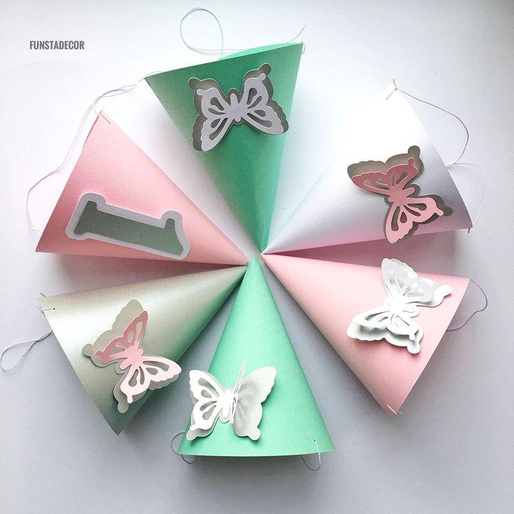 Колпаки на День рождения Мятные, розовые и серебристые колпаки на День рождения девочки материал: дизайнерский картон декорирован бабочками