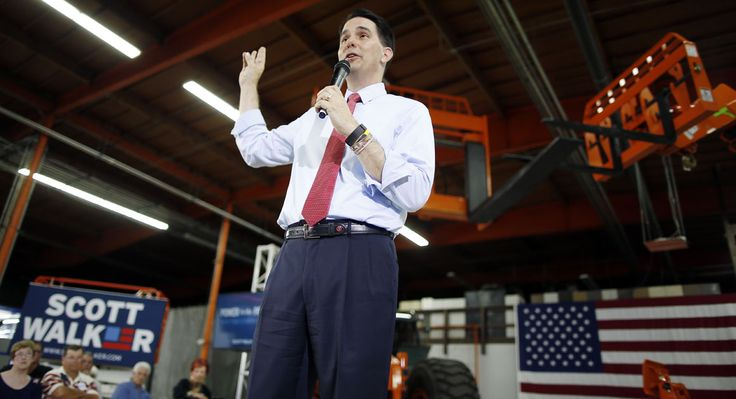 Wisconsin Gov. Scott Walker on Friday invoked his favorite former president in downplaying his recent slumping presidential poll numbers, while criticizing the lack of questions and air time he received during Wednesday's GOP debate.  Read more: http://www.politico.com/story/2015/09/scott-walker-2016-ronald-reagan-behind-in-polls-213817#ixzz3m6WgbkQl