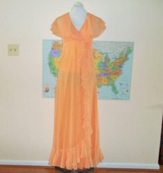 Vintage 1970s Peach Maxi Dress Empire waist ruffled by Reneesance