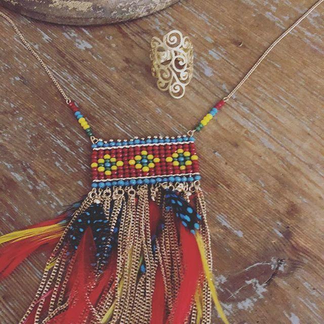 Prix de folie  Collier et bague à shopper sur www.monstorefashion.com #bijou #bijoux #bijoufantaisie #msflovesyou #fashion #fashionmood #fashionstyle #collier #bague