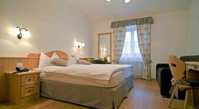 B&B Sissi - #BedandBreakfasts - CHF 48 - #Hotels #Italien #Commezzadura http://www.justigo.ch/hotels/italy/commezzadura/b-amp-b-sissi_158625.html